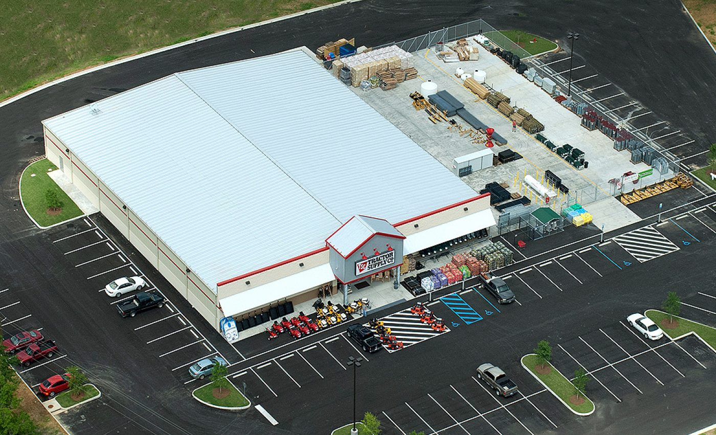 Tractor  Supply  Store  Saraland  Cropped